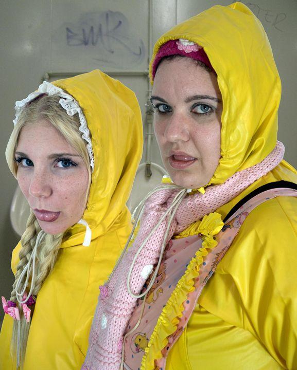 loomaids imbecila and rasvadormuza - maids in plastic clothes