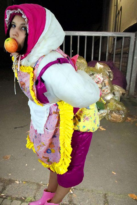 maid gorlasperma - maids in plastic clothes