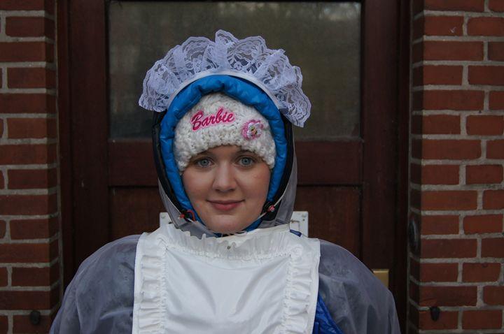scullerymaid fediteza - maids in plastic clothes