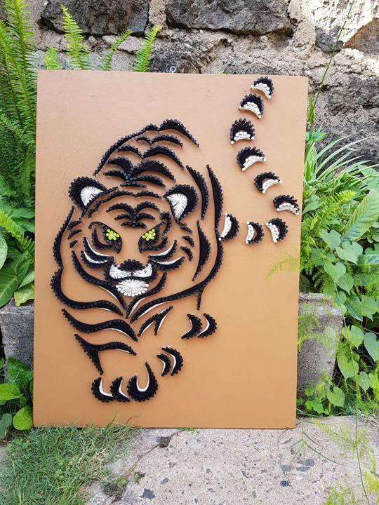 Stooping Tiger - Stramaxstore