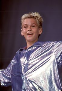 Singer Aaron Carter Color Photo - Front Row Photographs