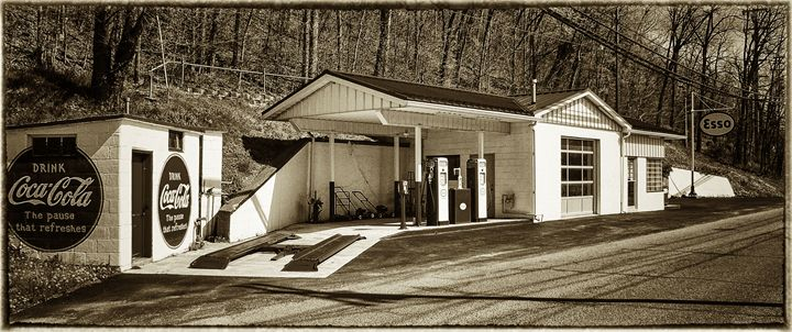 old days of fillin stations - photos by phil