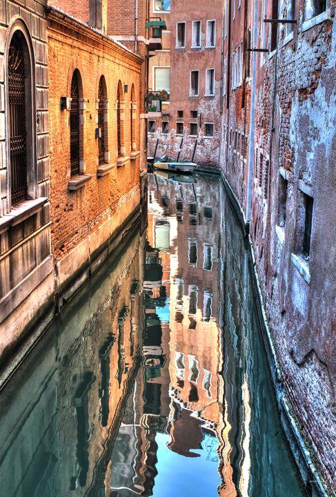 Reflections Venice Italy - tom prendergast fine art images