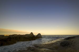 The sea water and the moon