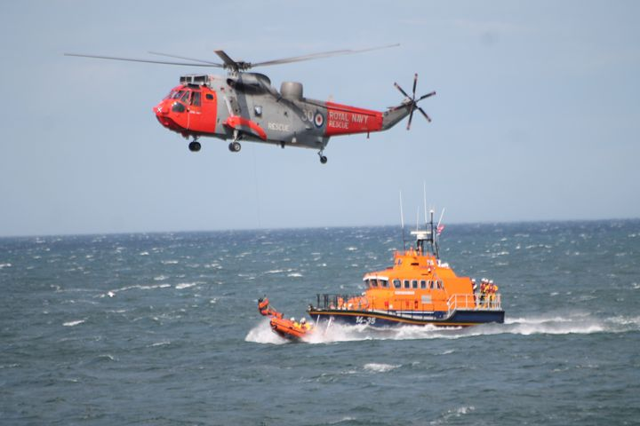 S.A.R Lifeboat & Helicopter - Graham Bruce Photography
