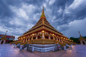 Phra Mahathat Kaen Nakhon - Andreas Hagspiel Photography