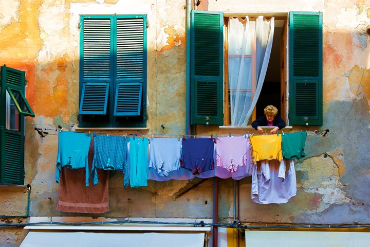 Cinque Terre Wash Day - Transchroma Photography