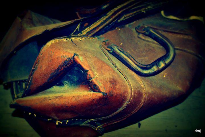 Rusty Leather Satchel - Ethereal Organics...diane montana jansson