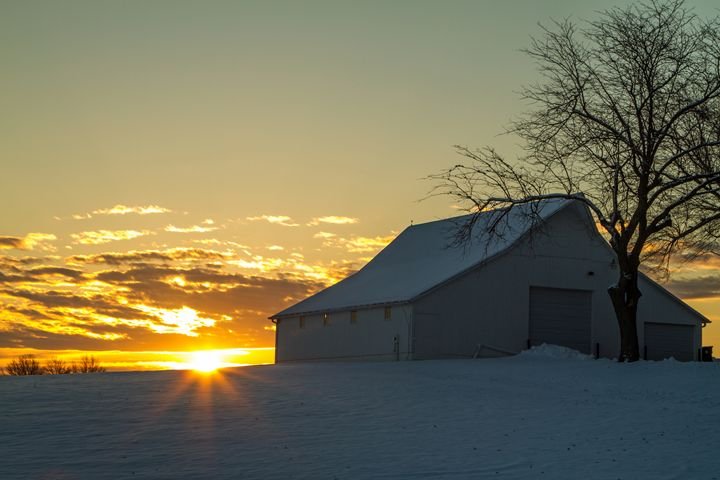 sunrise barn - Scott McKay Photography