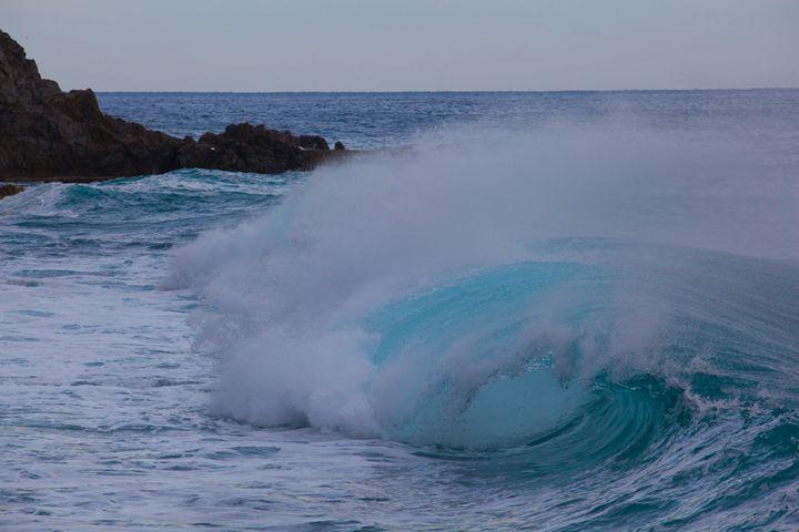 Blue wave - Max Barattini   PHOTO