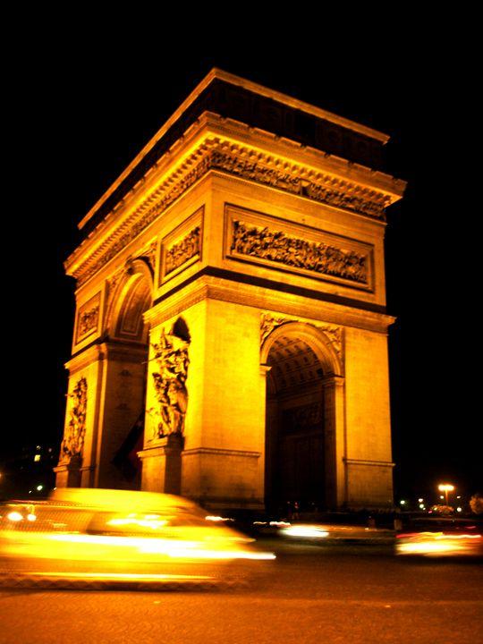 Arc de Triomphe de l'Étoile - Giulietta