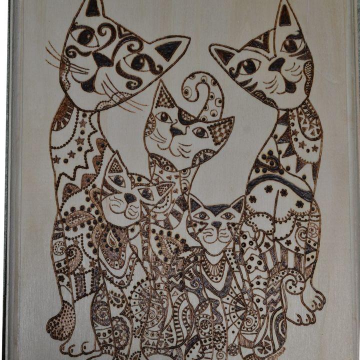 Cats-Loving Family - Ceci's Universe