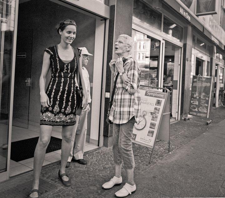 Berlin: women - Ron Greer Photography