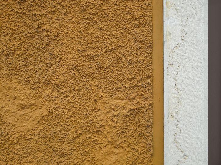 Yellow, white and plum - Simon Goodwin