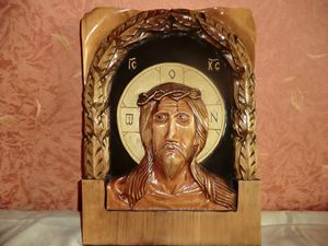 Christ with crown of thorns Art - Gennady Makulov. The art of carving