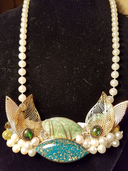What big ears you've got - American Artistic Jewelery