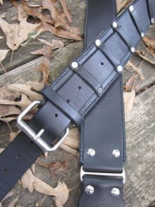 Leather guitar/bass strap