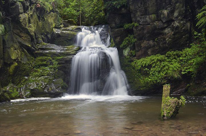 fall of water - Art Gallery