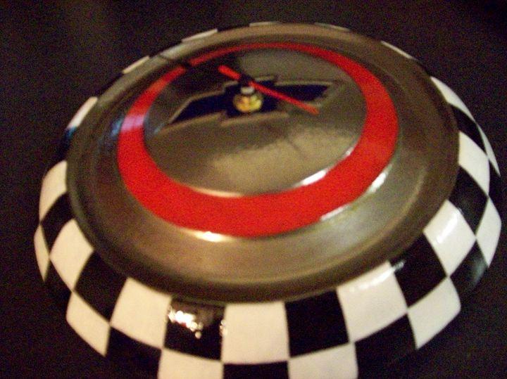 1950's Chey hubcap Clock - Watts Kreations