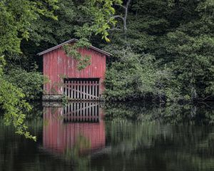Little Red Boathouse - Ken Johnson Imagery