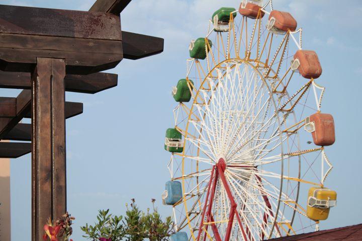 Ferris wheel - Goran PHOTO