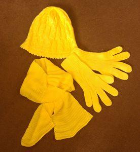 hat scarf gloves set yellow :)