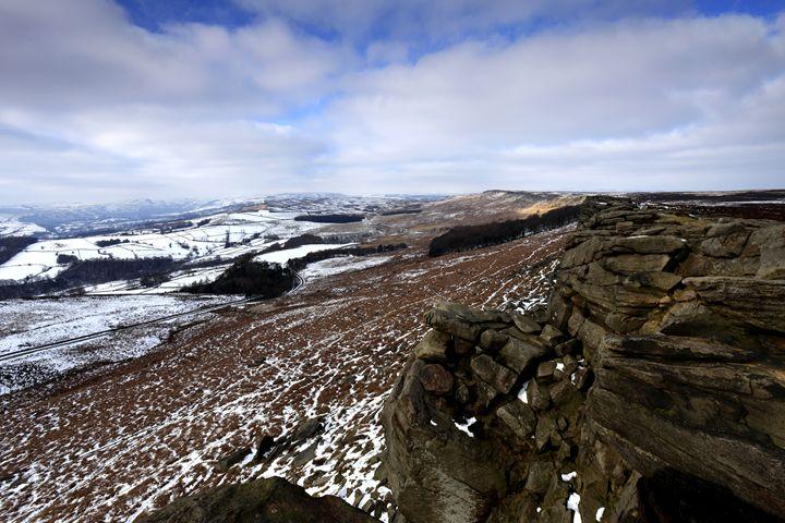 Wintertime Stanage Edge Derbyshire - Dave Porter Landscape Photography