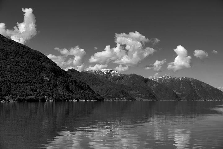 Mountains, Aurlandsfjorden Fjord - Dave Porter Landscape Photography