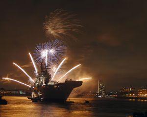 HMS Illustrious - MILITARY PHOTO PRINTS  UK